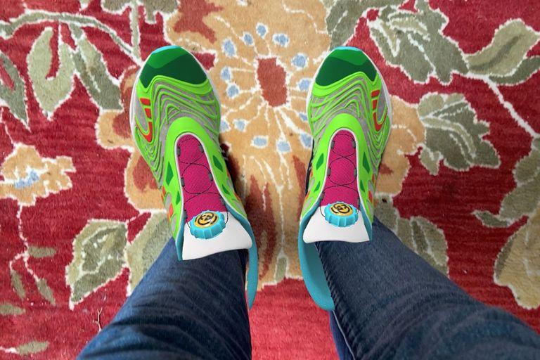 Le sneakers Virtual 35 di Gucci, disponibili solo in formato digitale.